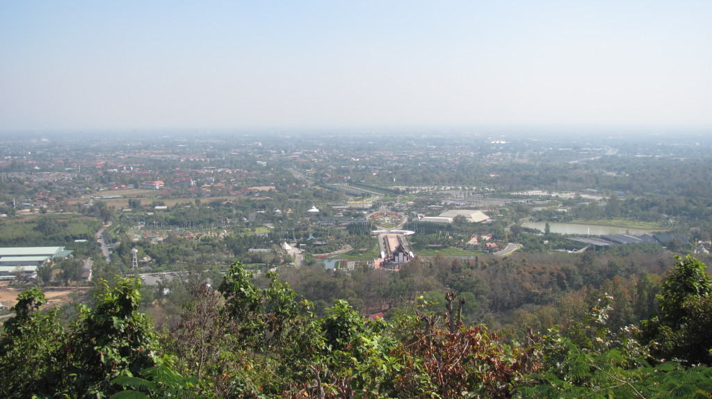 In this photo, also from Doi Kham, the scale of the gardens is revealed.